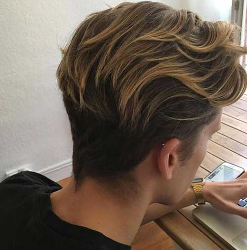 latest-thick-wavy-hairstyles-for-men