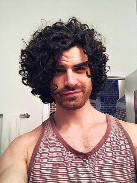 men long curly hair styles 20 hairstyles for curly hair mens hairstyles 2018 7179 | 11 Long Curly Hair Men 401
