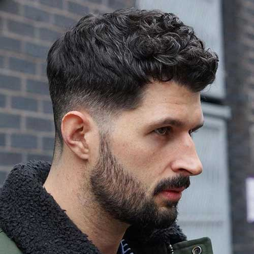 Best Haircuts for Men with Curly Hair-15