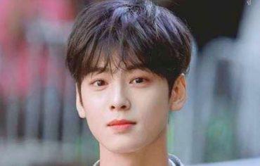 35-latest-trendy-korean-hairstyle-men-pics